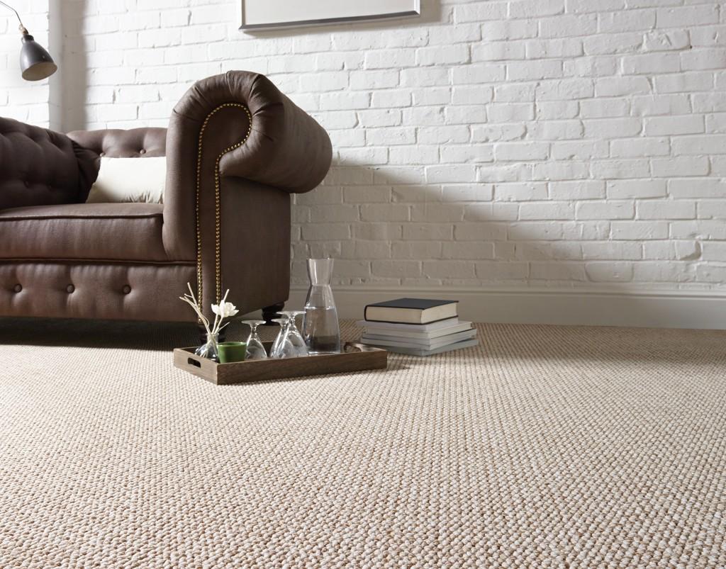 Nouveau: tapis sur mesure et pose possible.